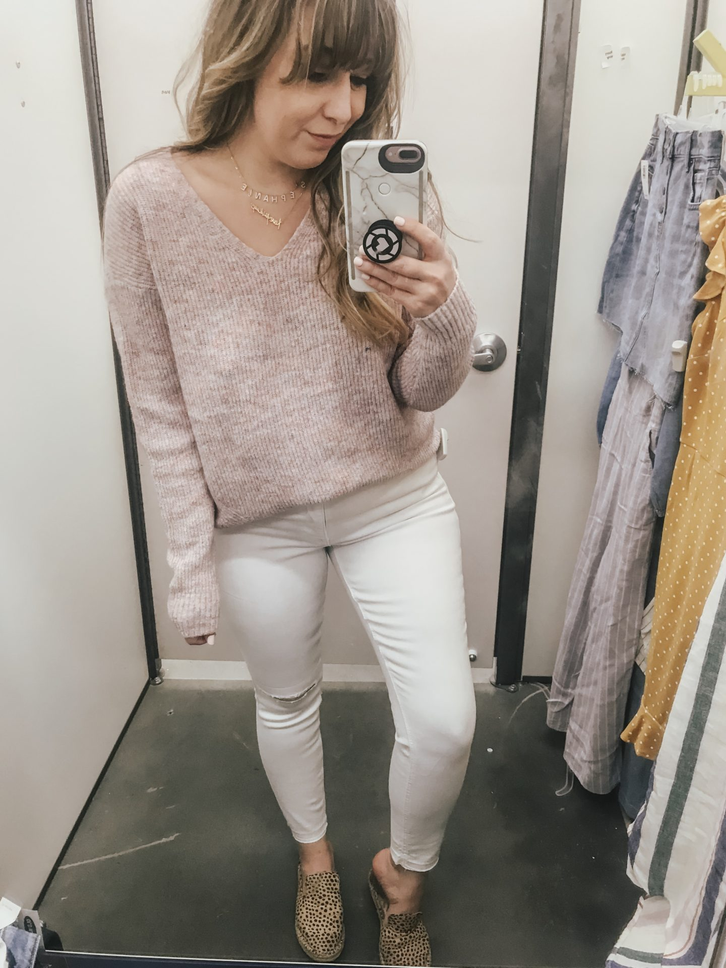 Old Navy white jeans outfit