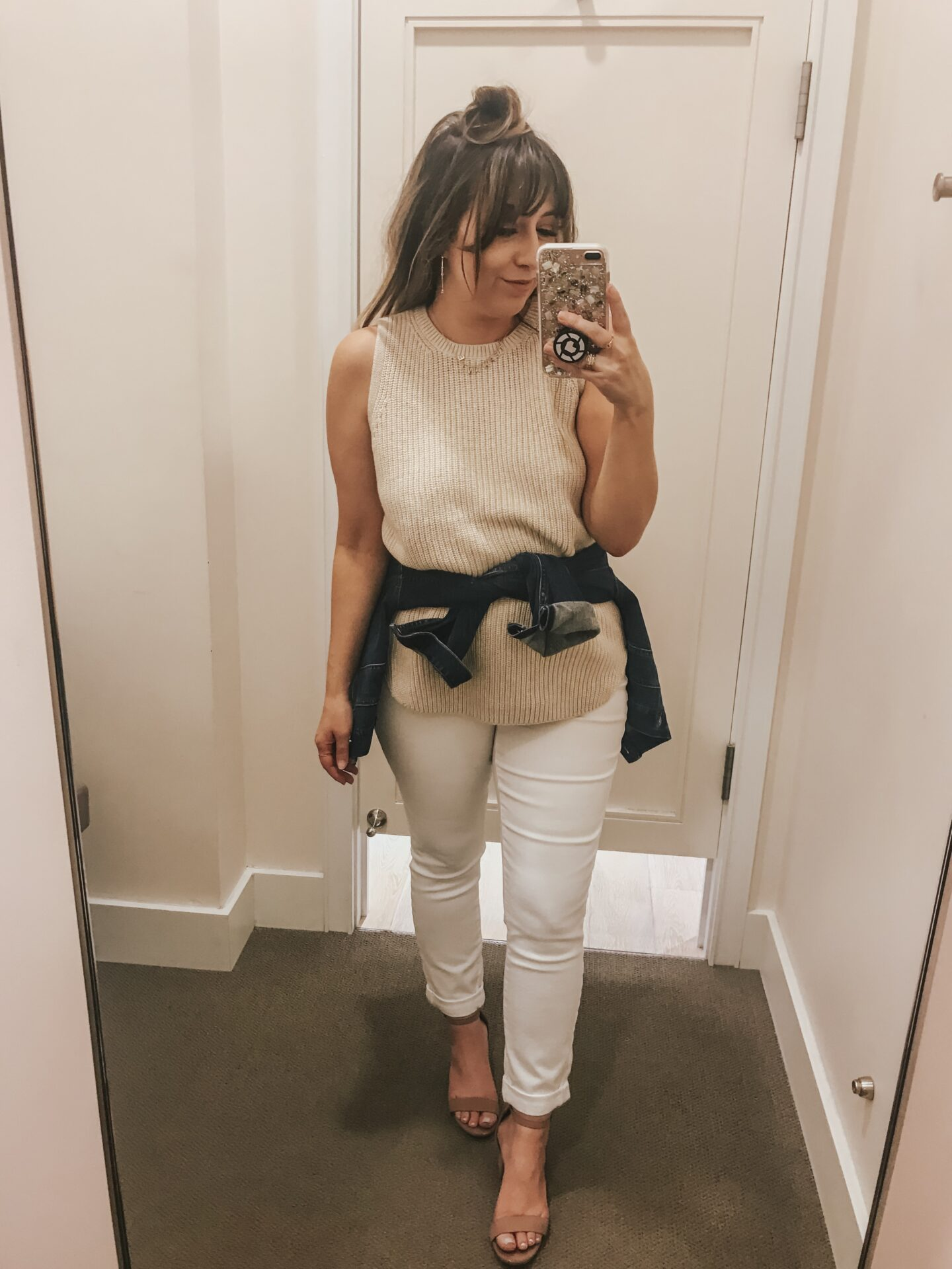 LOFT Spring - Sleeveless sweater and white jeans