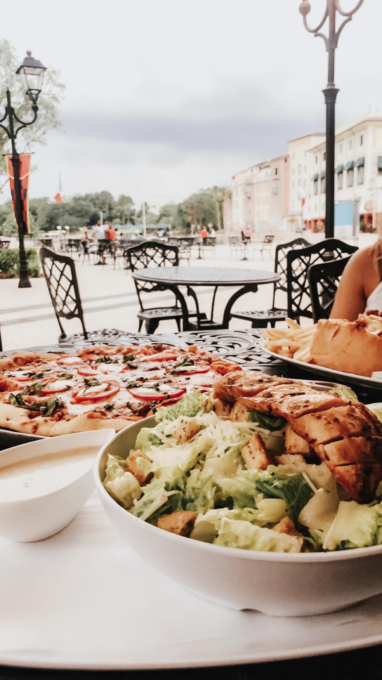 Sals-Market-deli-exterior-Stephanie-Pernas