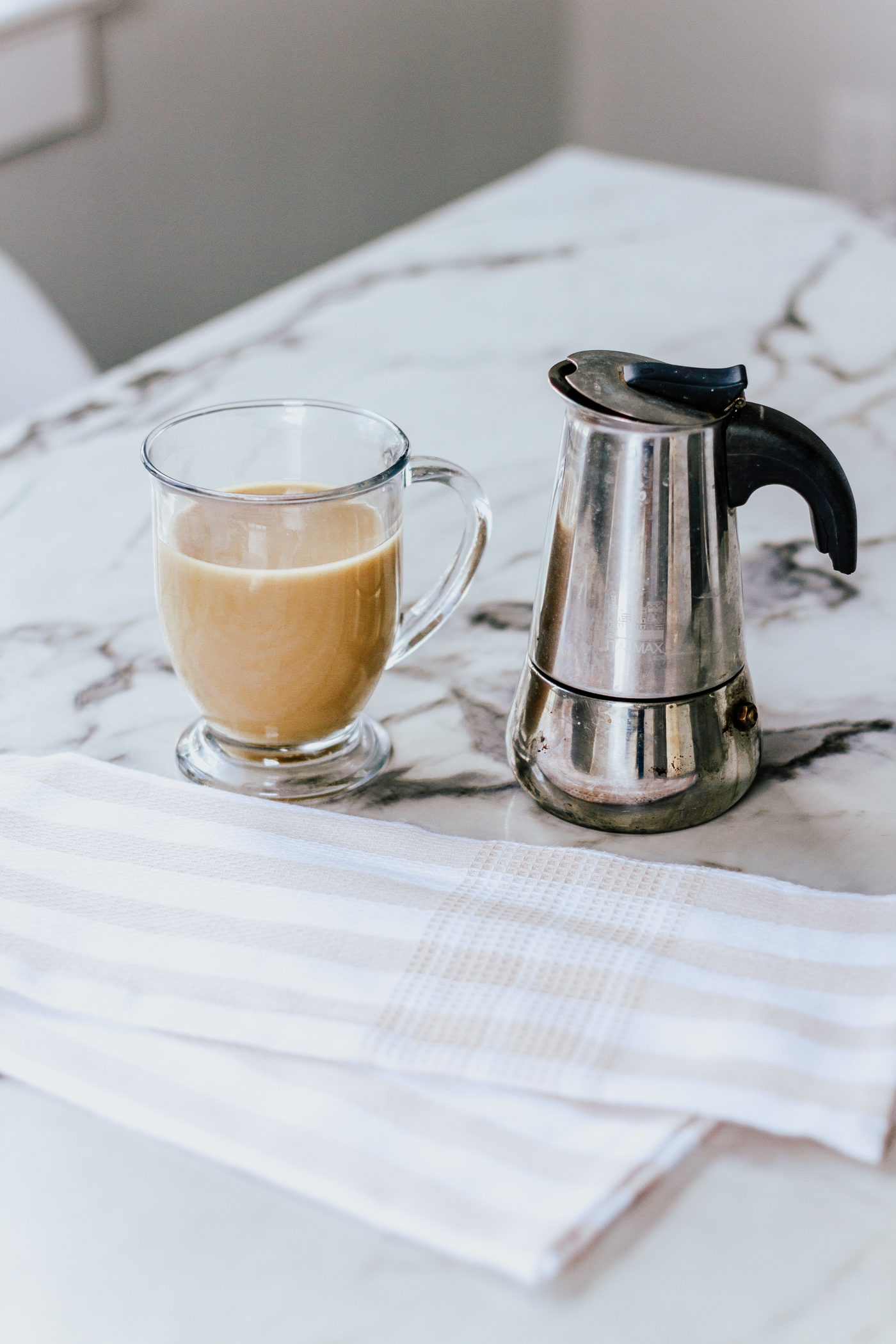 How to make an authentic Cuban Cafe Con Leche-4