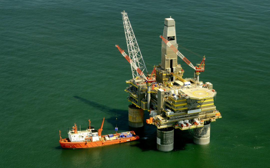 Common Hand Injuries on Oil Drilling Rigs in Texas