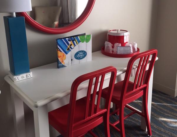Cute Desk Set at Cedar Point Hotel Breakers