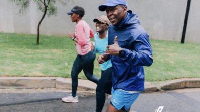Photo of Kabelo Mabalane Does His Best At This Year's Comrades Marathon