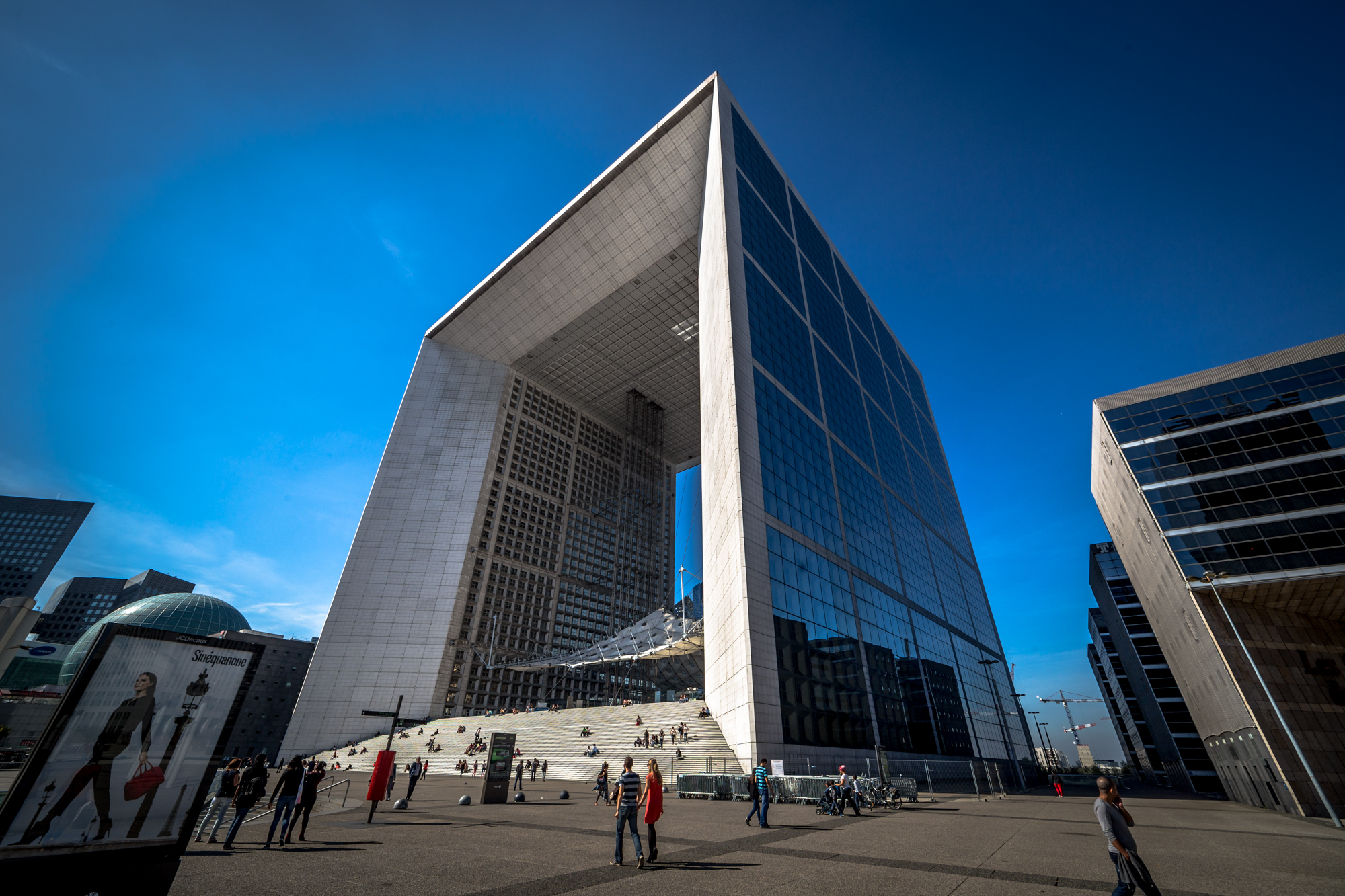 La Grande Arche de la Défense, Paris by Darwin. Taken with a Canon 6D and Rokinon 14mm f/2.8