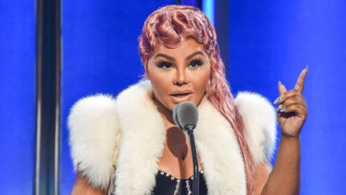 Photo of Lil' Kim pays tribute to Biggie at 2019 BET Hip Hop Awards