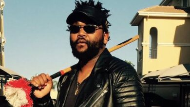 """Photo of WATCH: Sjava's Zulu Reply On Question About """"Legacy"""" Leaves A White News Reporter Dumbfounded"""