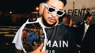 Photo of AKA Reacts To Drake  Carrying WWE Belts!