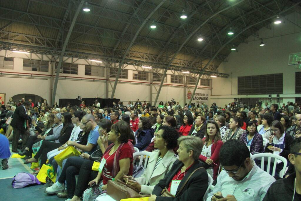 Público acompanha a abertura do FSMM, desta vez em São Paulo. Crédito: Eva Bell/MigraMundo