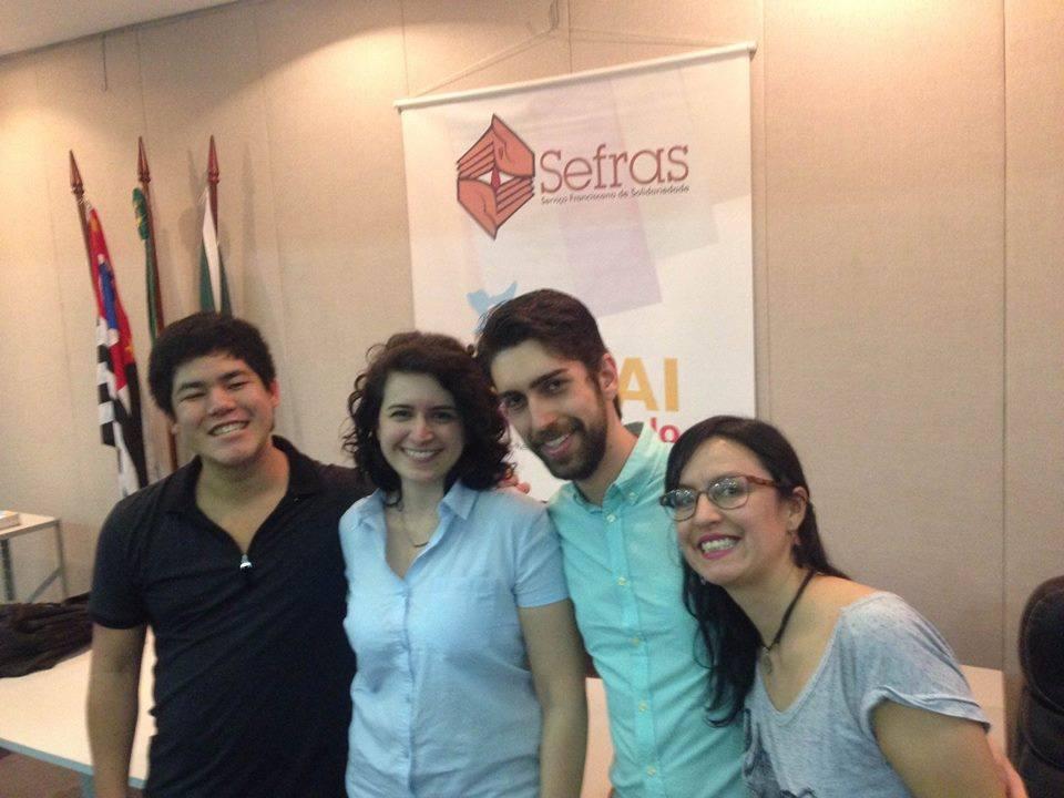 Da esquerda para direita: os palestrantes Fabio Ando, Ana Gebrim e Vitor Lopes, além de Viviana Peña, coordenadora atual do CRAI. Crédito: Divulgação