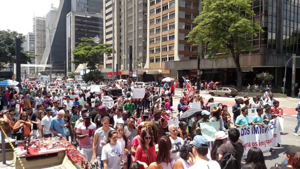 Marcha dos Imigrantes desta vez ocupou a avenida Paulista, em São Paulo. Crédito: Rodrigo Borges Delfim/MigraMundo
