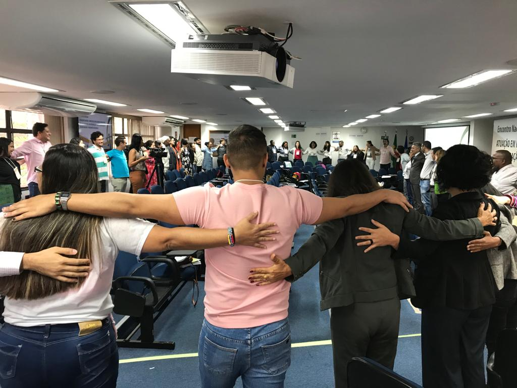 Atividade em roda encerrou evento em Brasília que reuniu pessoas de todo o Brasil ligadas à temática das migrações
