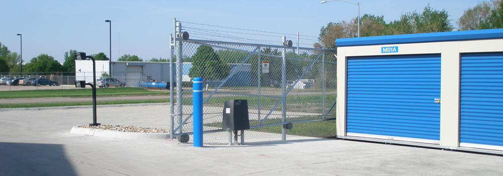 Amenities like security gate with keyed entry for 24-hour access.