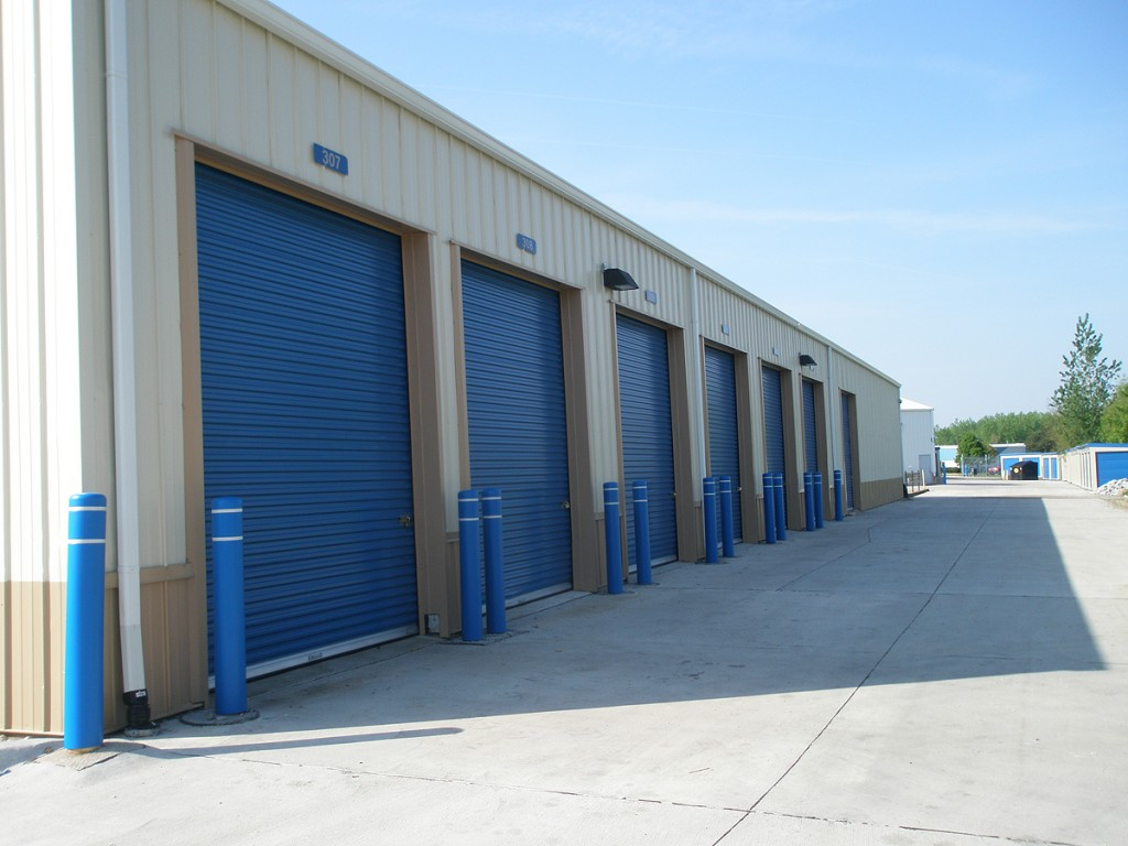 High Bay Door self storage unit in Davenport, Iowa.