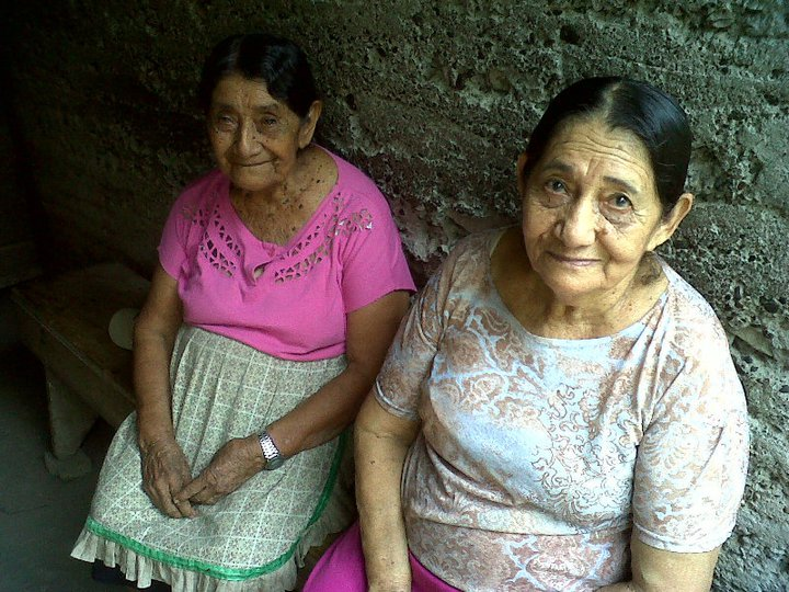 105-year-old woman and her 87-year-old daughter in Costa Rica