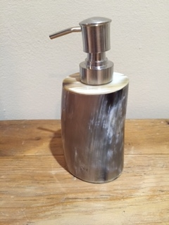 Horn soap dispenser