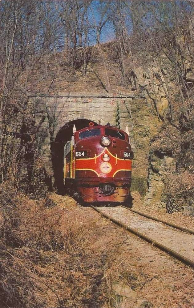 postcard-chicago-train-chicago-madison-and-northern-diesel-engine-exits-monticello-tunnel-wisconsin-1981