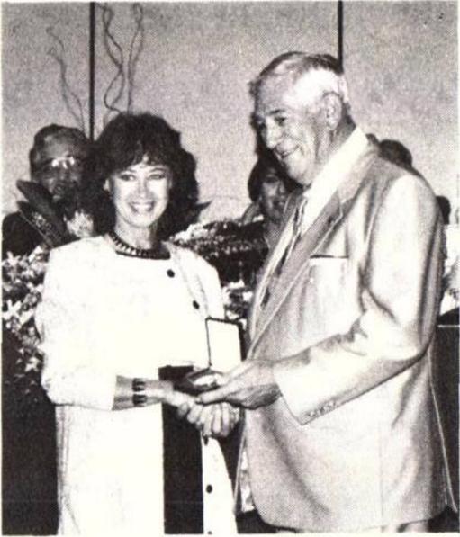 Numismatic Art Award Recognizes Somogyi's Work (1989)