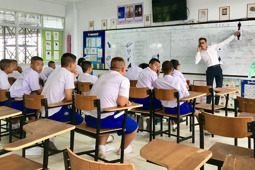 Harry Shaw teaching in Thailand