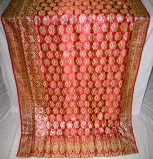 the rich and vibrant color of curtain