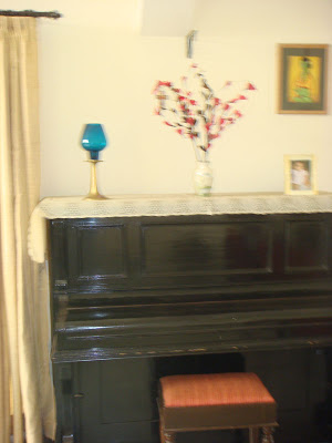 The piano at the living area