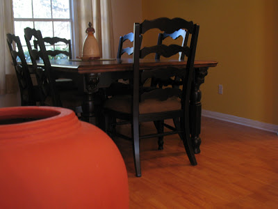The striking contrast of an old world dining table