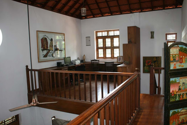 work area, upstairs, homestay, wood features