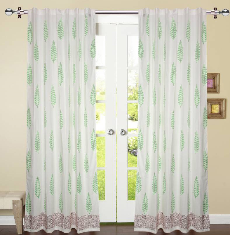 Window curtain printed in green leaf with maroon border