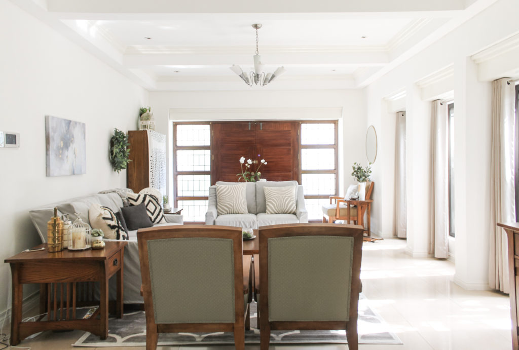 Home Tour with Kaho of Chuzai Living - decorated the living room with white color