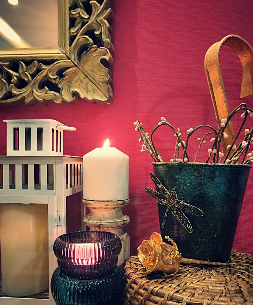"""Home style Tour with Rajni in Hyderabad: The dragon fly vase is a DIY project made from an old rusted plant holder"