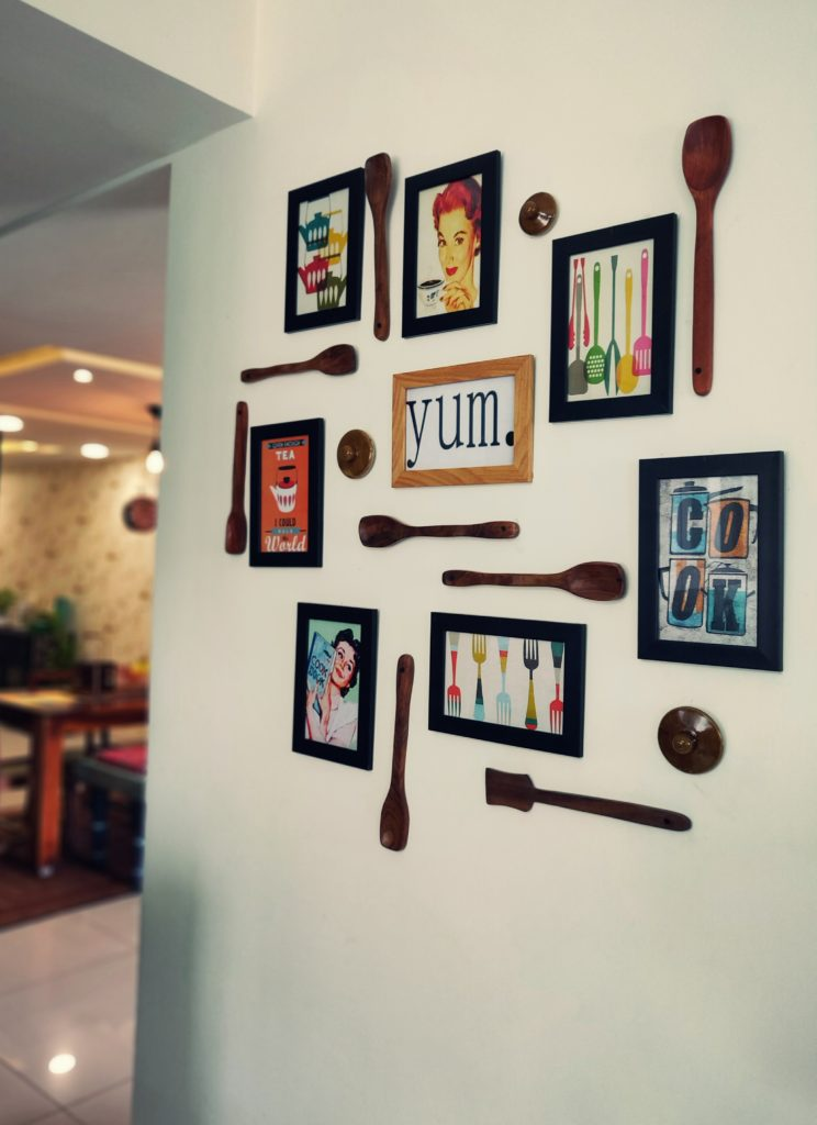 Home style Tour with Rajni in Hyderabad: kitchen frame art and wooden spoon wall decor