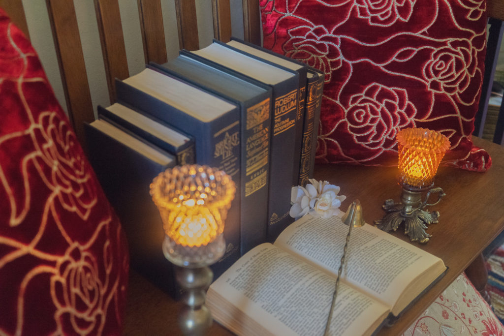 Affinity for antiques home tour of Rushika & Dipkal's - A home is light, color, warmth and has cosy reading nooks