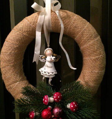 Quick and easy wreath tutorial
