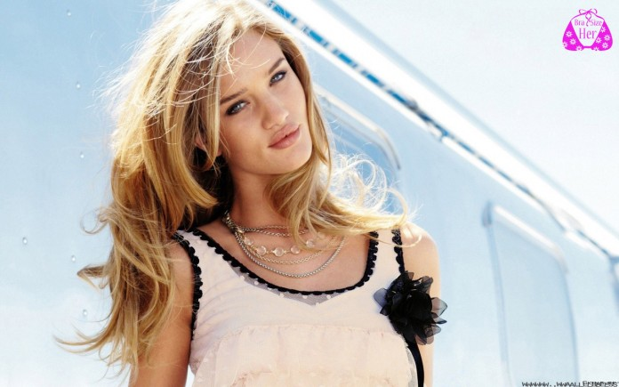 Rosie Huntington-whiteley bra size