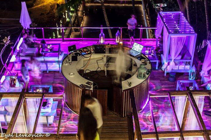 New Year Parties in India: Waters Beach Lounge & Grill, Goa