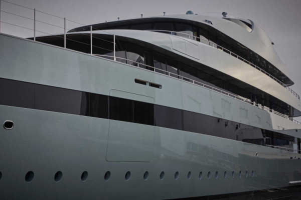 The word's first hybrid super yacht, Savannah