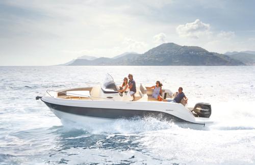 The 7.88 m Quicksilver Activ 805 Cruiser