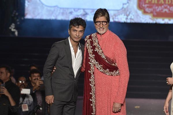 Vikram Phadnis with Amitabh Bachchan