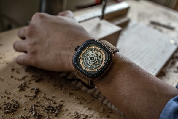 SEVENFRIDAY P2B-03 WOODY