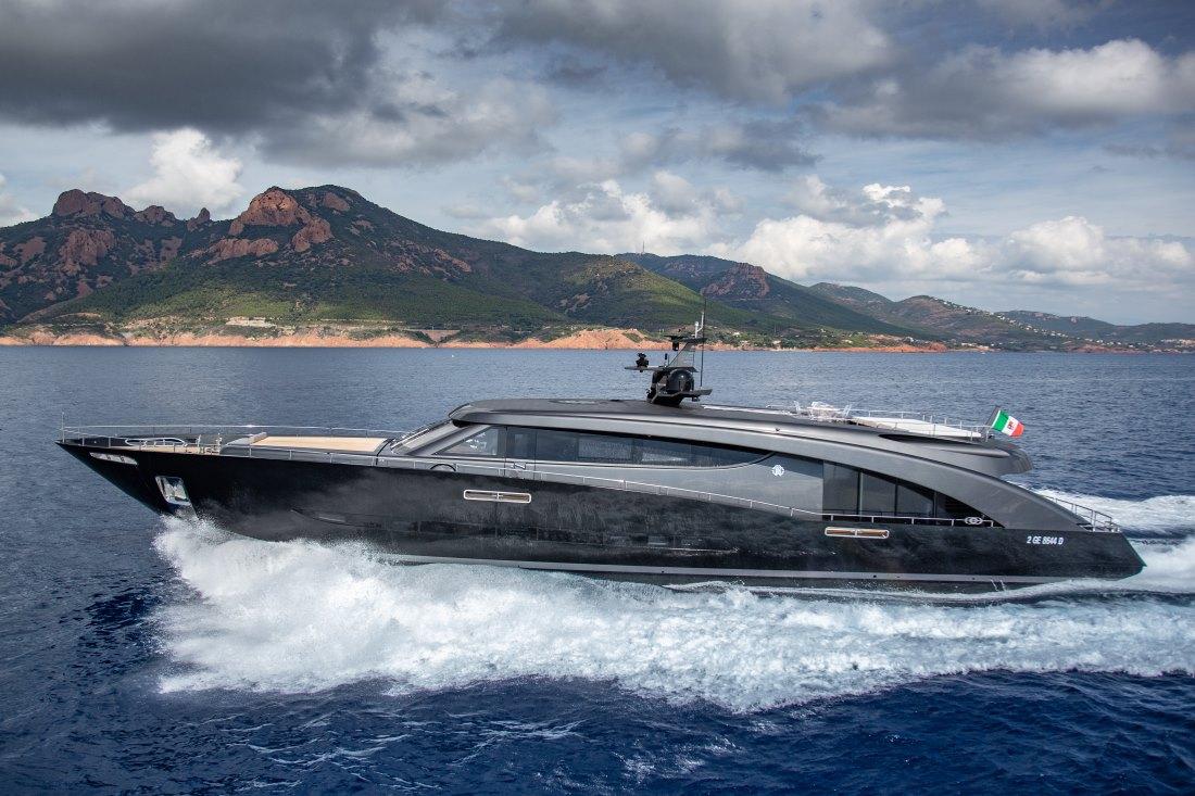 Roberto Cavalli's yacht - Freedom