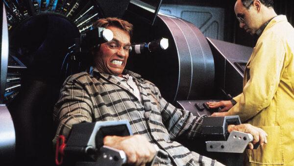 Arnold Schwarzenegger in Total Recall 1990