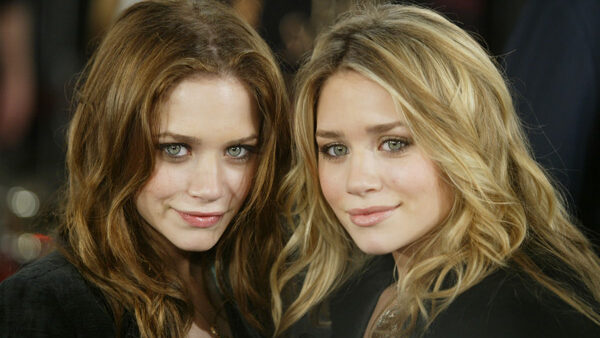 Twin Sisters Mary-Kate And Ashley Olsen