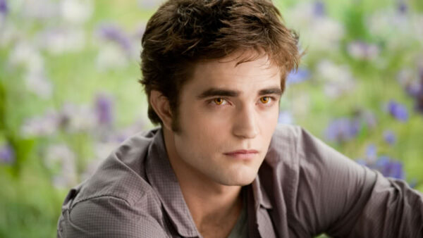 Robert Pattinson as Edward Cullen