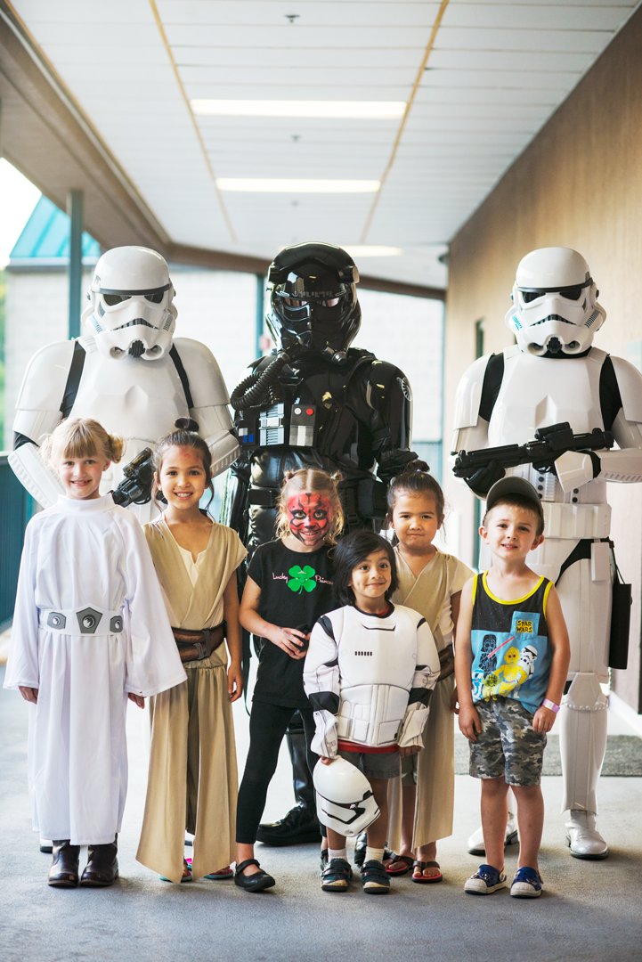 kids and stormtroopers starwars
