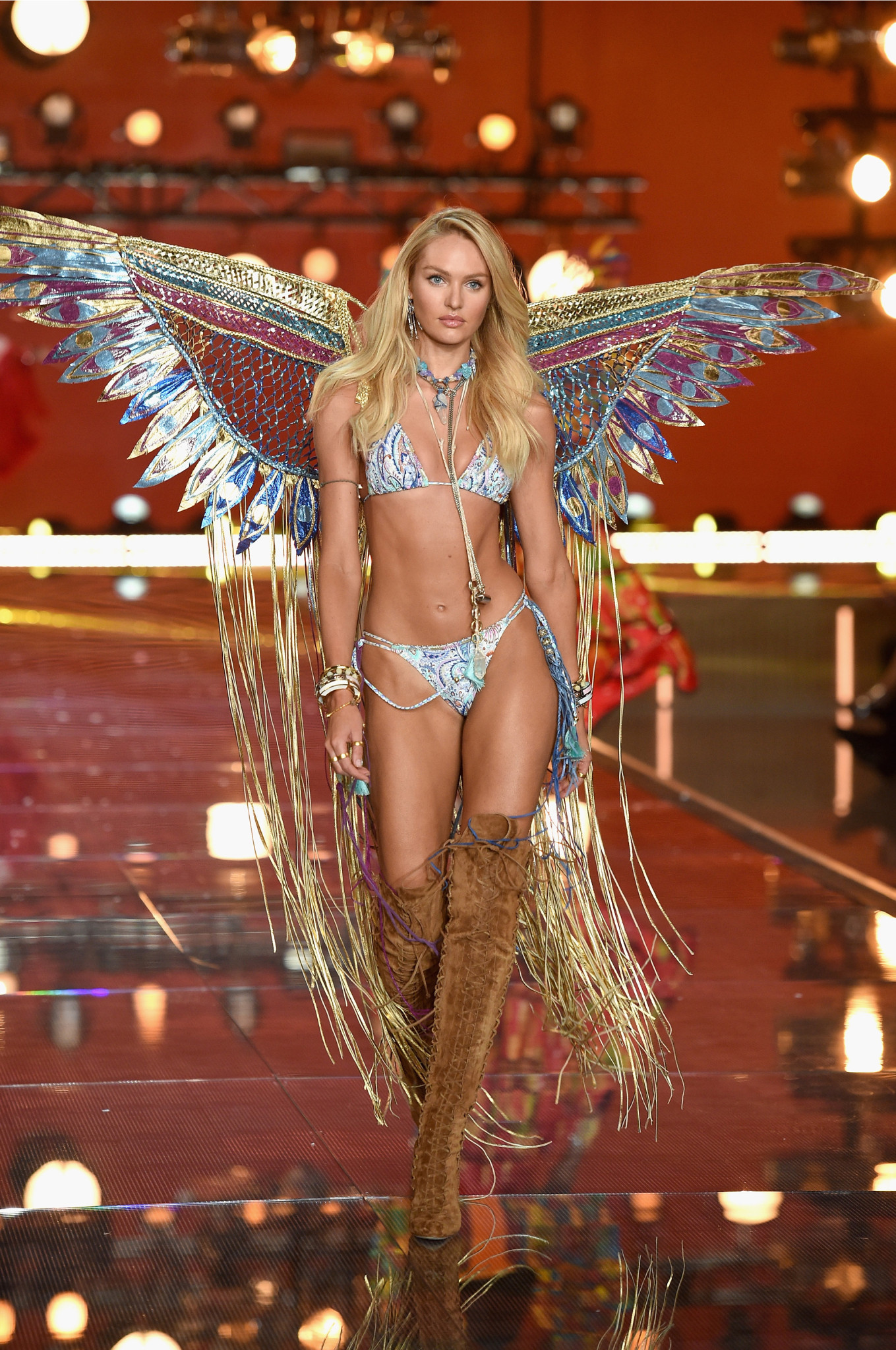 fashion-show-runway-2015-boho-psychadelic-candice-look-4-victorias-secret-hi-res