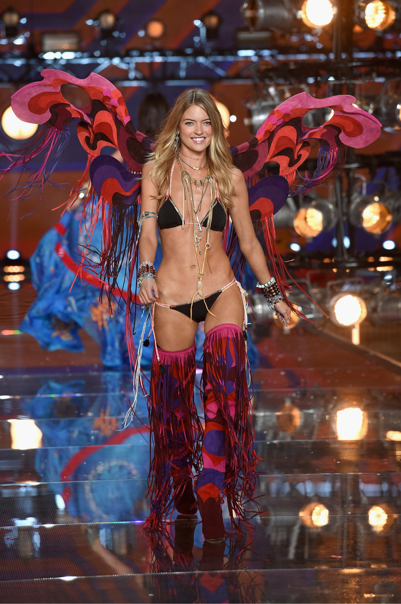 fashion-show-runway-2015-boho-psychadelic-martha-look-7-victorias-secret-hi-res