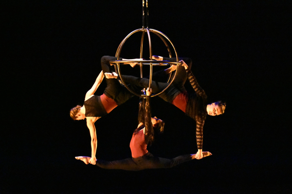 Frequent Flyers® Aerial Dance, Flight Path. Photo by Richard Keifer. Courtesy of Frequent Flyers® Aerial Dance.