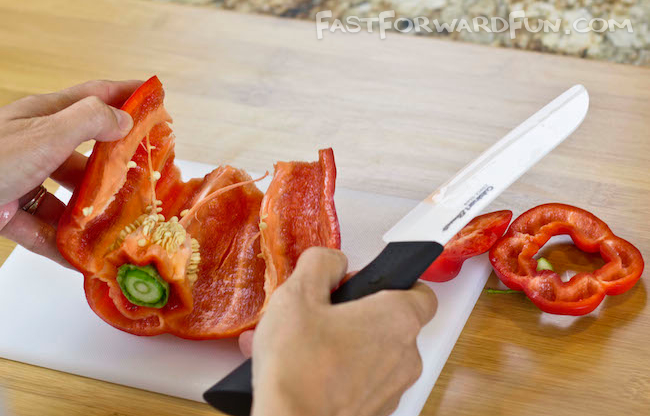 Fun video tutorial and step-by-step photos on how to cut a bell pepper-- I've been doing this all wrong!!