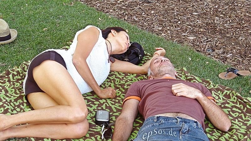 Descubre cómo es tu pareja por la postura en la que está durmiendo - sexologos online