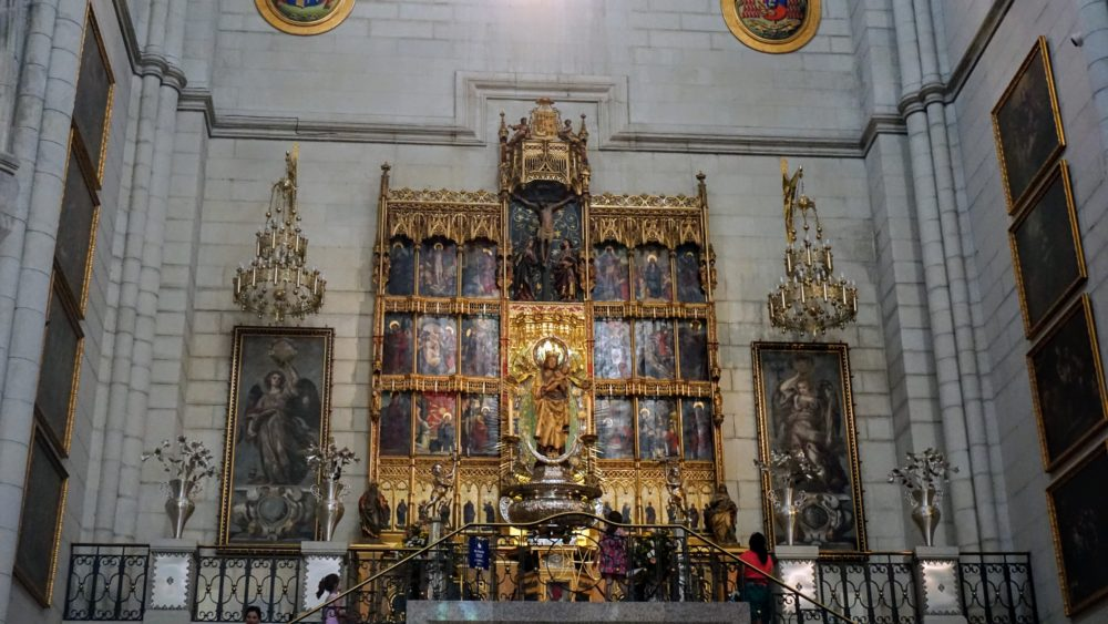 Altar da Catedral de Madri - Catedral de Almudena
