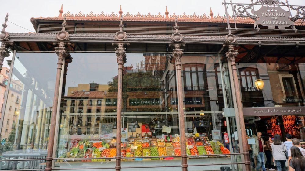O Mercado San Miguel é um local muito turístico na cidade - Madri
